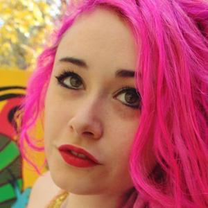 Ellie Paisley 5 of 6