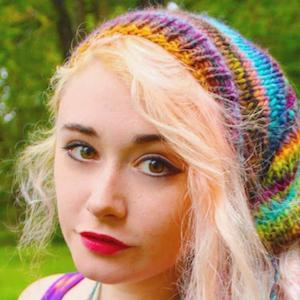 Ellie Paisley 6 of 6