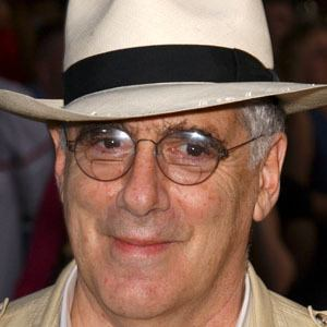 Elliott Gould 8 of 9