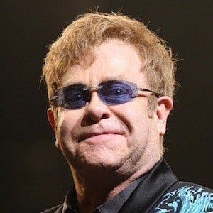 Elton John 4 of 10