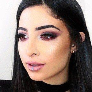 Elwa Saleh 5 of 6