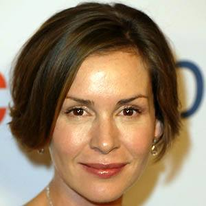Embeth Davidtz 4 of 5