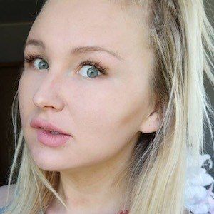 Emilia Lee 7 of 10