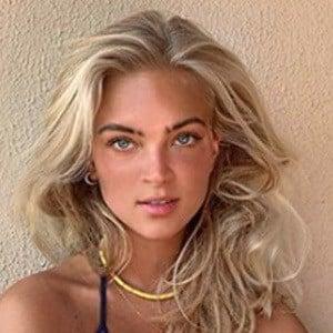 Emilia Silberg 3 of 5