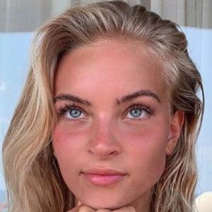 Emilia Silberg 5 of 5
