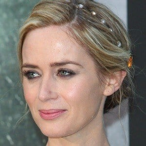 Emily Blunt 7 of 10