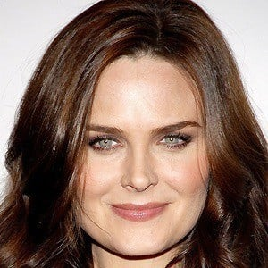 Emily Deschanel 5 of 10