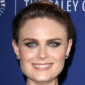 Emily Deschanel 6 of 10
