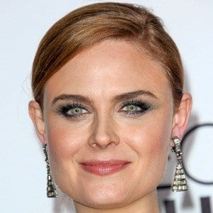 Emily Deschanel 7 of 10