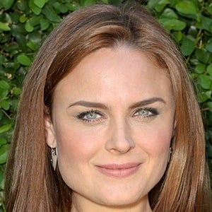 Emily Deschanel 8 of 10