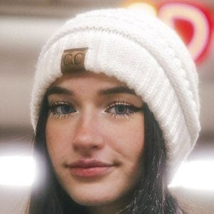 Emily Fitz Headshot 5 of 10