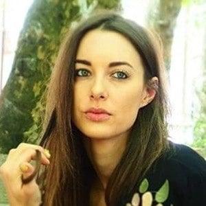 Emily Hartridge 2 of 6