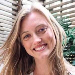 Emily Hunt 2 of 6