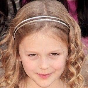 Emily Alyn Lind 4 of 9