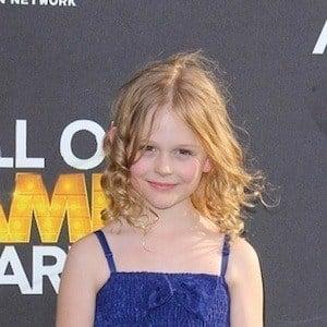 Emily Alyn Lind 8 of 9