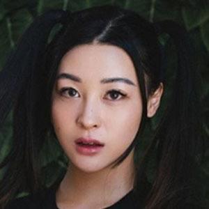 Emily Mei 3 of 4