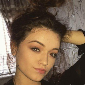Emily Middlemas 5 of 10
