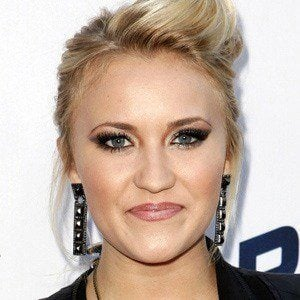 Emily Osment 5 of 10