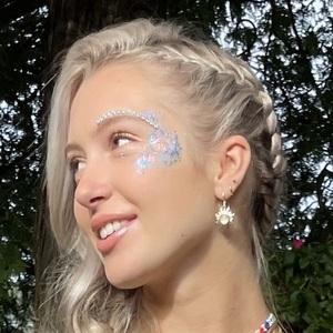 Emily Roman 3 of 10