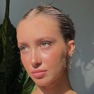 Emily Roman 10 of 10