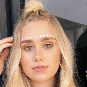 Emily Skinner 7 of 10