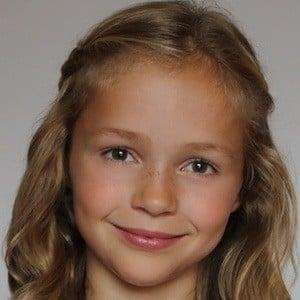 Emma Hentschel 3 of 3