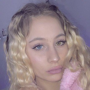 Emma Molnár 8 of 10