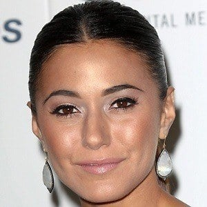 Emmanuelle Chriqui 2 of 10