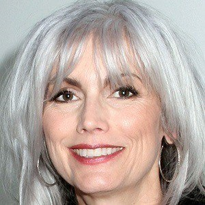 Emmylou Harris 4 of 8