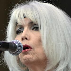Emmylou Harris 6 of 8