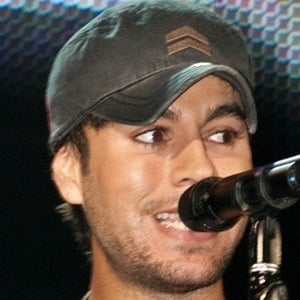 Enrique Iglesias 9 of 10