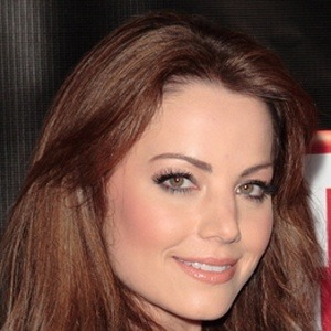 Erica Durance 6 of 10