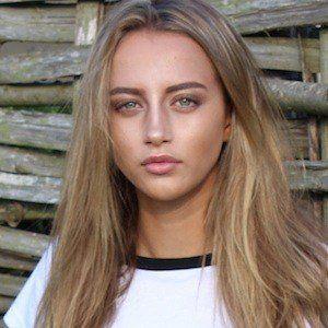 Erin Bloomer 2 of 6