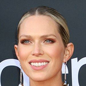 Erin Foster 9 of 10