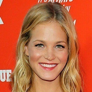 Erin Heatherton 4 of 10