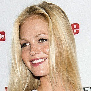 Erin Heatherton 5 of 10