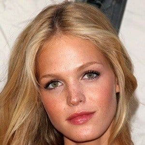 Erin Heatherton 10 of 10