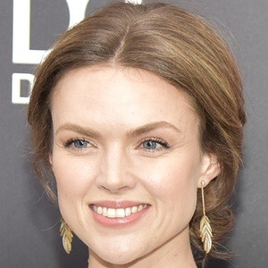 Erin Richards 7 of 10