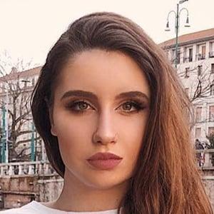 Esmeralda Morichelli 6 of 6