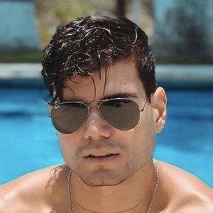 Esteban Castillo Headshot 5 of 10