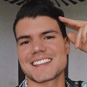 Esteban Castillo Headshot 10 of 10