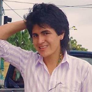 Estefano Barrios Vélez 4 of 5