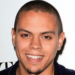 Evan Ross 4 of 10