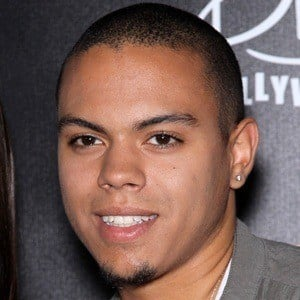 Evan Ross 6 of 10