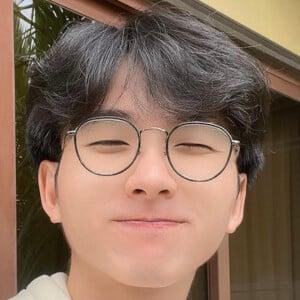 Evan Tan 4 of 7