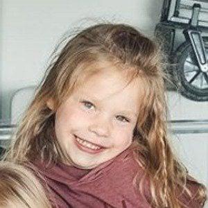 Evie Gardner 7 of 7