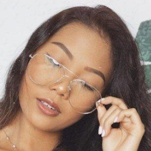 Farina Aguinaldo 5 of 10
