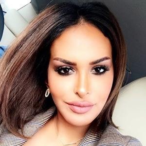 Fatma Alqadeeri 4 of 6