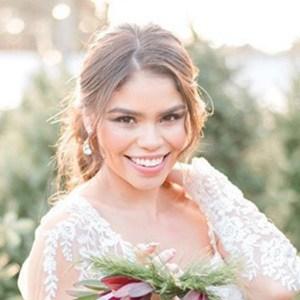 Fernanda Flores 3 of 6