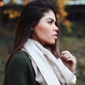 Fernanda Flores 4 of 6